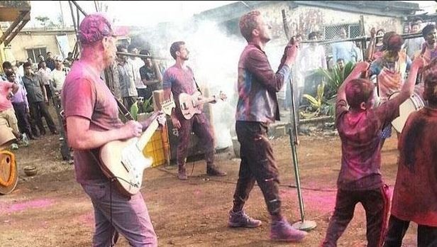 COldplay plays Holi  in India for Music Video