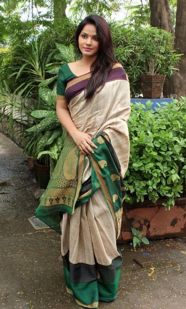 Neetu Chandra,actress Neetu Chandra,Neetu Chandra Latest Pics,hot Neetu Chandra,Neetu Chandra hot pics,Neetu Chandra pics,Neetu Chandra images,Neetu Chandra stills,south indian actress,actress pics,actress images,actress photos