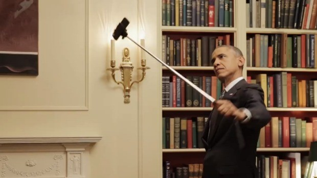 funny obama wields selfie stick doodles michelle prepares speech in front of mirror photos video. Black Bedroom Furniture Sets. Home Design Ideas