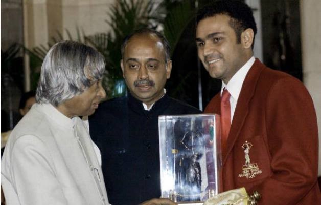 Abdul kalam,abdul kalam with indian cricket team,abdul kalam with cricketers,abdul kalam with sachin tendulkar,abdul kalam with sehwag,abdul kalam with dravid,Indian cricket team