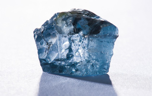 An exceptional 29.6 carat blue diamond recovered at the Cullinan mine in January 2014 (Petra Diamonds Press Release)