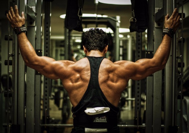 Tiger Shroff flaunts his muscular back