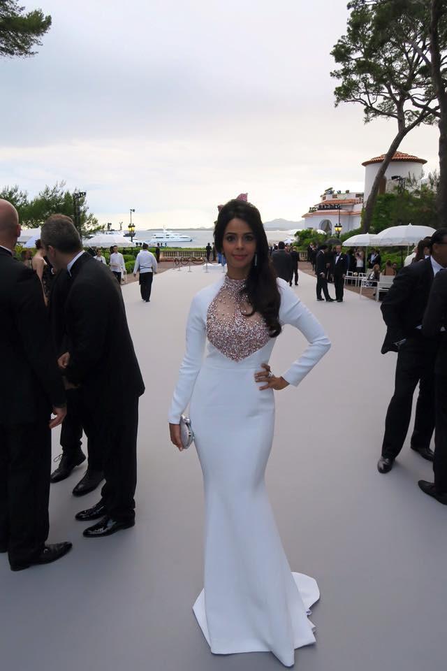 Mallika Sherawat at amfAR Cannes 2015,Mallika Sherawat at amfAR,Mallika Sherawat,actress Mallika Sherawat,amfAR Cannes 2015,Cannes 2015,Cannes 2015 pics,Cannes Film Festival 2015,Cannes,68th Cannes Film Festival,Cannes film festival pics,Cannes film festi