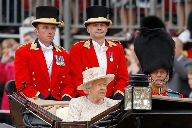 Queen Elizabeth II,Queen Elizabeth II birthday,trooping the colour photos