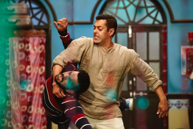 Salman Khan,Salman Khan action Sequences,Salman Khan action Sequences in Bajrangi Bhaijaan,Bajrangi Bhaijaan,Bajrangi Bhaijaan movie,salman khan in Bajrangi Bhaijaan,Bajrangi Bhaijaan Action Sequences,Salman Khan in Bajrangi Bhaijaan movie,actor Salman Kh