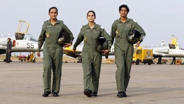 First women fighter pilots,India's first women fighter pilots,women fighter pilots,indian women fighter pilots,Avani Chaturvedi,Bhawana Kanth,Mohana Singh,India's first three women fighter pilots
