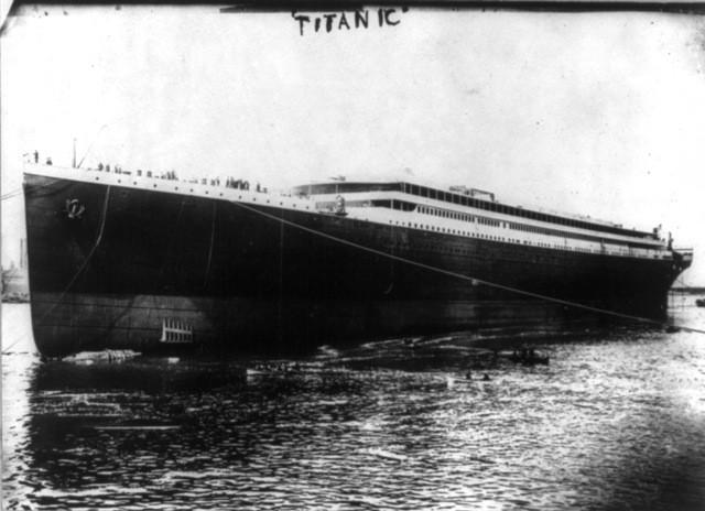 The titantic rare photos,the titantic remains,titanic details,titanic photos,Iceberg collision,Titanic Tragedy and Survival
