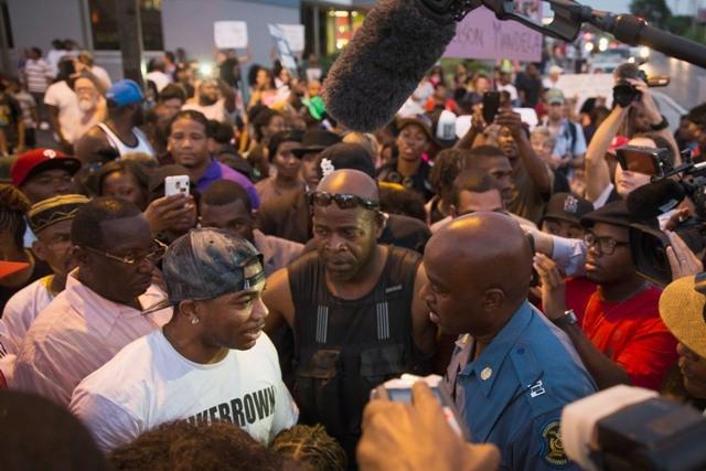 Ron Johnson, rapper Nelly