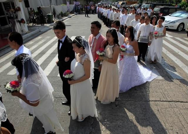 Mass weddings in Manila