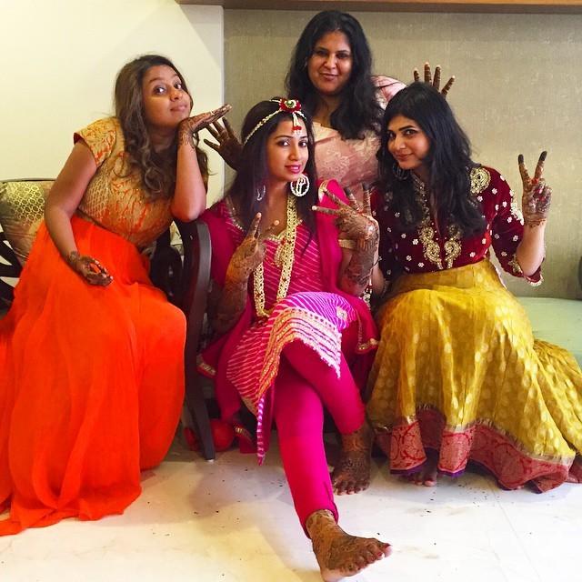 Shreya Ghoshal with her friends