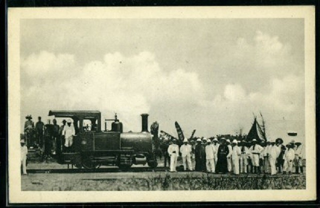 The first locomotive arriving at Léopoldville,Kinshasa in 1898