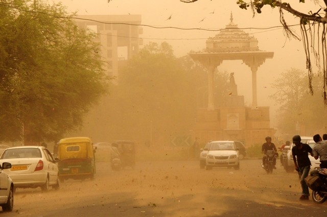 Dust Storm hits Jaipur on 19 May