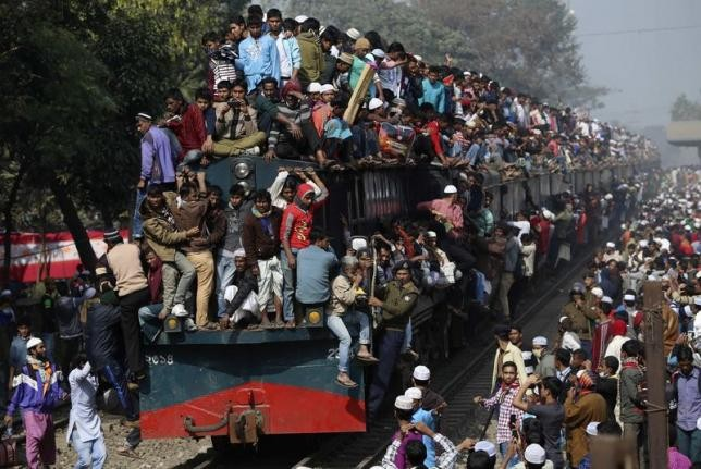 A crowded train in Dhaka.