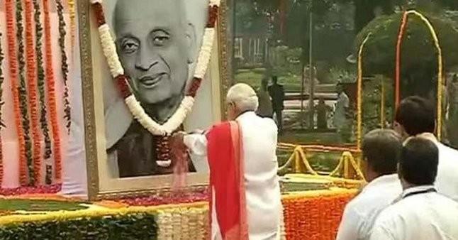 Narendra Modi,Narendra Modi pays tribute to Sardar Patel,Sardar Patel,Sardar Patel birthday,Sardar Patel 141st Birth Anniversary,Sardar Patel 141st Birthday,Sardar Patel Birth Anniversary,Sardar Patel Birthday celebrations