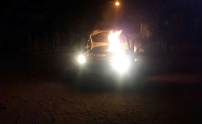 Hindus beat 8 priests, burn vehicle outside Indian police station