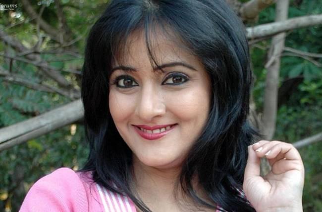 Hina Khan tortures Bandagi Kalra