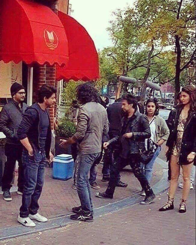 Shah Rukh Khan,Anushka Sharma,Shah Rukh Khan and Anushka Sharma,SRK and Anushka Sharma,SRK,The Ring,The Ring on the sets,The Ring working stills,The Ring working pics,The Ring working images,The Ring working photos,The Ring working pictures