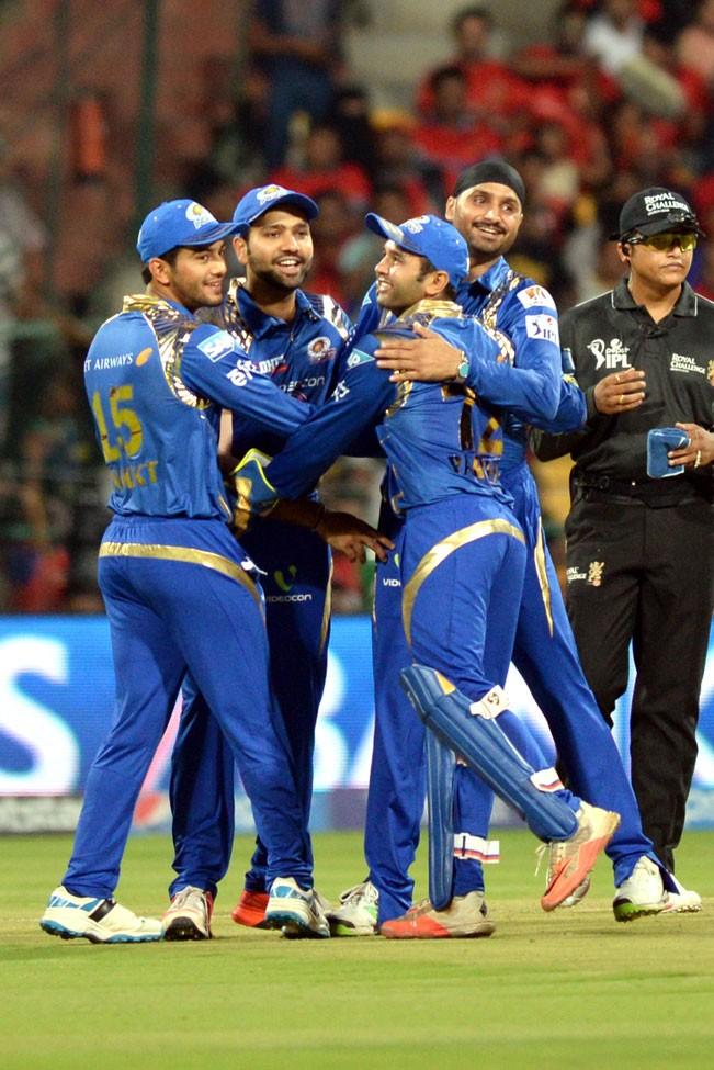 Royal Challengers Bangalore v/s Mumbai Indians,Royal Challengers Bangalore,Mumbai Indians,RCBvMI,ipl2015,ipl,cricket,20-20,Indian Premier League 2015,Indian Premier League