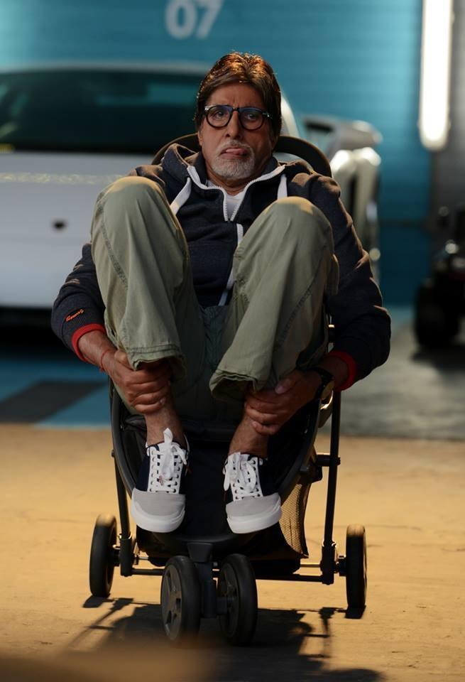 Amitabh Bachchan,little Anna,Amitabh Bachchan's day out with little Anna,Amitabh Bachchan with little Anna,actor Amitabh Bachchan,Amitabh Bachchan pics,Amitabh Bachchan images,Amitabh Bachchan stills,little Anna pics,little Anna images,little Anna stills