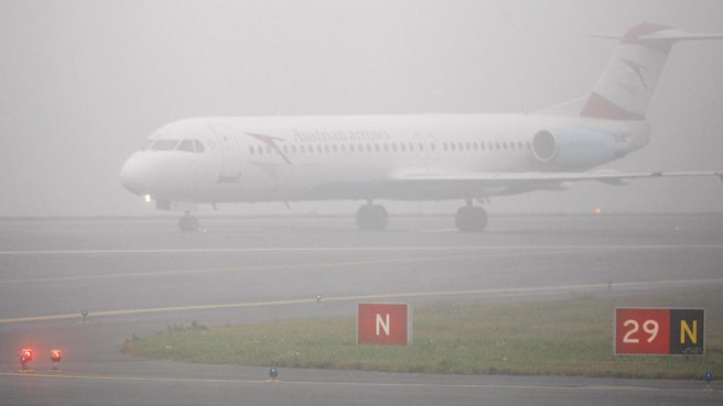 Dense fog delays flights in Delhi