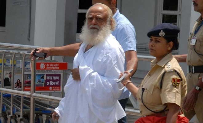 Supreme Courts raps Gujarat government for delaying Asaram Bapu rape probe