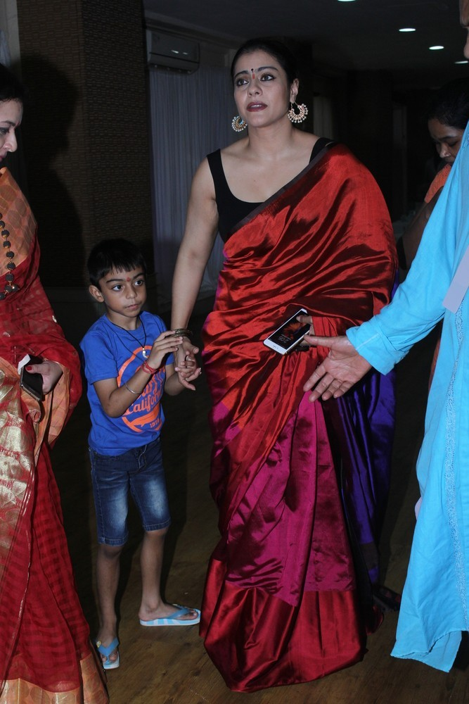 Kajol,Ranbir Kapoor,Durga Ashtami,Durga Ashtami celebrations,Celebs celebrates Durga Ashtami,Durga Ashtami celebration pics,Durga Ashtami celebration images,Durga Ashtami celebration photos,Durga Ashtami celebration stills,Durga Ashtami celebration pictur