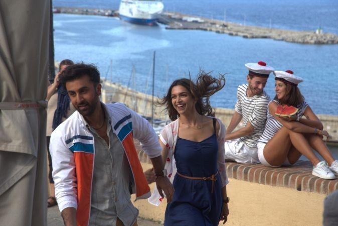 Tamasha review,Tamasha,bollywood movie Tamasha,Ranbir Kapoor-Deepika Padukone,Ranbir Kapoor,Deepika Padukone,Tamasha box office,Tamasha box office collection