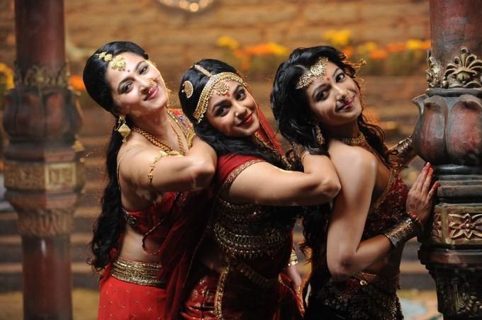 Rudramadevi,telugu movie Rudramadevi,Rudrama devi,Anushka Shetty,Allu Arjun,Krishnam Raju,Rana Daggubati,Prakash Raj,Nithya Menon,Catherine Tresa