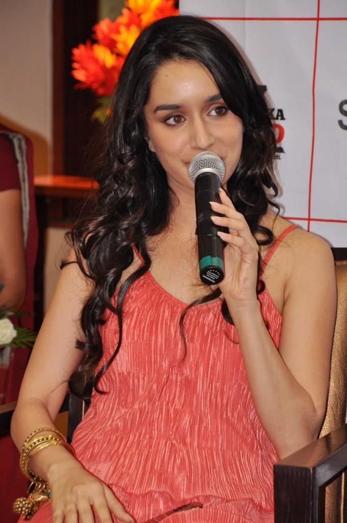 Shraddha Kapoor,actress Shraddha Kapoor,bollywood actress Shraddha Kapoor,Shraddha Kapoor latetst pics,actress Shraddha Kapoor pics,Shraddha Kapoor photos,Shraddha Kapoor images