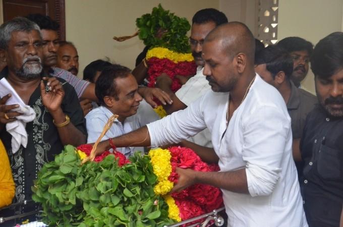 Rajinikanth,Karthi,Vishal,'Aachi' Manorama,Manorama,actress manorama passed away,Manorama dead,celebs pays last respect to 'Aachi' Manorama,celebs pays last respect to Manorama,Jayalalithaa