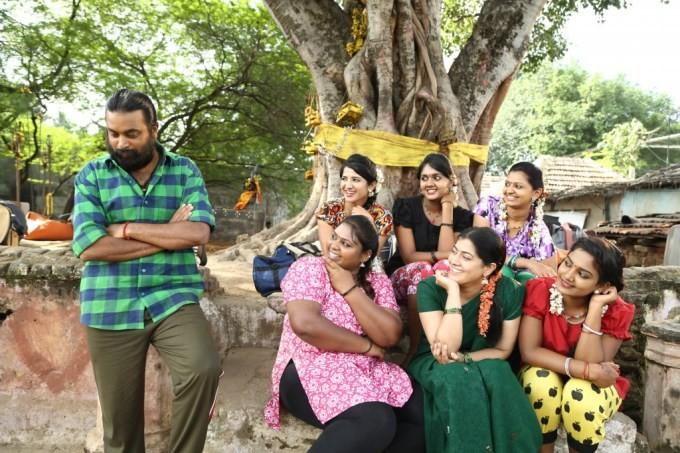 Tharai Thappattai,Sasikumar,Varalaxmi Sarathkumar,Sasikumar and Varalaxmi Sarathkumar,Tharai Thappattai movie review,Tharai Thappattai review,Tharai Thappattai movie stills.Tharai Thappattai movie pics,Tharai Thappattai movie images,Tharai Thappattai movi