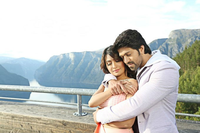 Yash,Radhika Pandit,Yash and Radhika Pandit,Yash,Radhika Pandit,Santhu Straight Forward,Kannada movie Santhu Straight Forward,Santhu Straight Forward pics,Santhu Straight Forward images,Santhu Straight Forward photos,Santhu Straight Forward stills,Santhu
