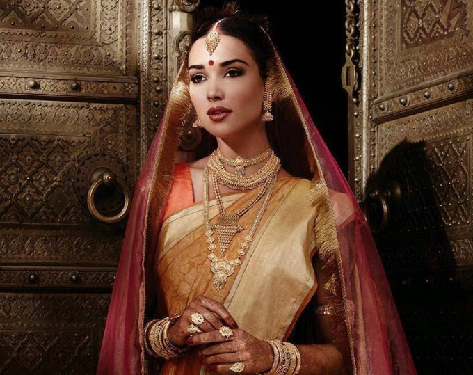 Amy Jackson Photoshoot in Bridal Saree,Amy Jackson,actress Amy Jackson,Amy Jackson bridal saree photos,Amy Jackson bridal saree pics,Amy Jackson bridal saree photo,Amy Jackson wedding saree stills,Amy Jackson latest photos,Amy Jackson latest stills