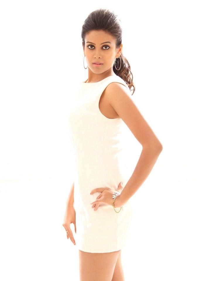 Chandini Tamilarasan,actress Chandini Tamilarasan,Chandini Tamilarasan pics,Chandini Tamilarasan images,Chandini Tamilarasan photos,south indian actress Chandini Tamilarasan,Chandini Tamilarasan latest pics,actress pics,actress images