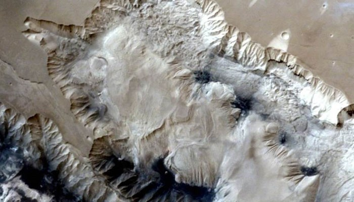 Mangalyaan,Mangalyaan sends 3D pictures of Canyon on Mars,Canyon on Mars,3D pictures of Canyon on Mars,3D pictures