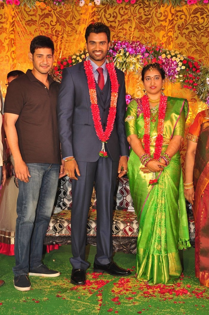 Mahesh Babu,Mahesh Babu at Siva and Anusha Wedding Reception,Siva and Anusha Wedding Reception,Siva and Anusha,Siva Wedding Reception,Anusha Wedding Reception,Krishna,Vijaya Nirmala,Nagineedu,Shyam Prasad Reddy,R Narayana Murthy,Siva and Anusha Wedding Re