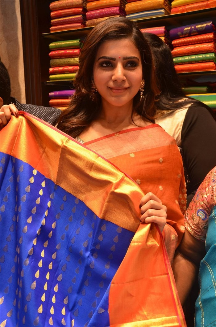 Samantha,Samantha Ruth Prabhu,Akhil Akkineni,Samantha launches South India Shopping Mall,Akhil Akkineni launch South India Shopping Mall,South India Shopping Mall,Shopping Mall,Shopping Mall in Hyderabad