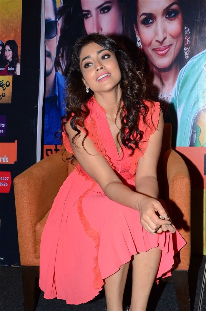 Shriya Saran at RHC Press Meet,RHC Press Meet,RHC Charity Concert Press Meet,Shriya Saran latest pics,Shriya Saran latest images,Shriya Saran latest photos,Shriya Saran latest stills,Shriya Saran latest pictures,Shriya Saran pics,Shriya Saran images,Shriy