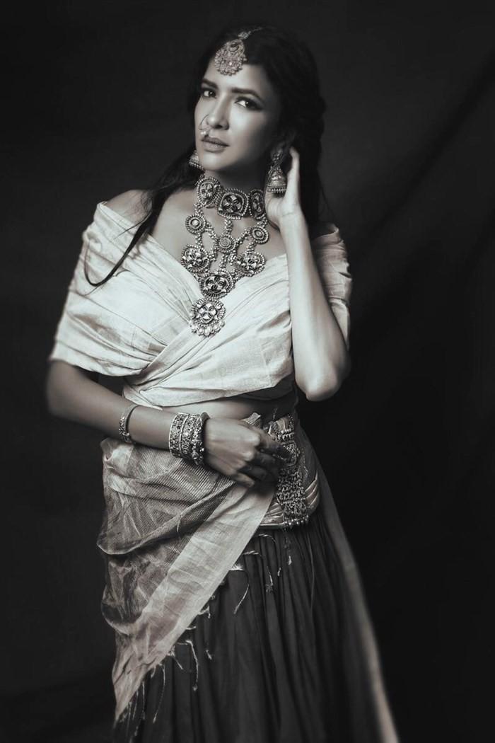 Lakshmi Manchu,Lakshmi Manchu Diwali Photoshoot,Diwali Photoshoot,Lakshmi Manchu Photoshoot,Lakshmi Manchu latest pics,Lakshmi Manchu latest images,Lakshmi Manchu latest photos,Lakshmi Manchu latest stills,Lakshmi Manchu latest pictures