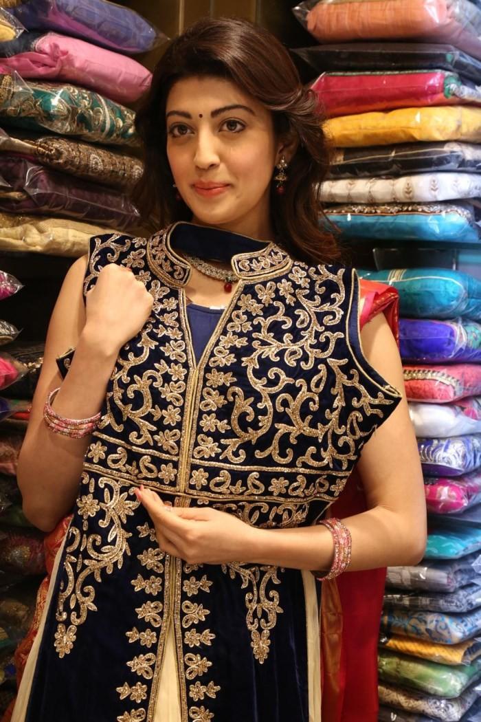 Pranitha launches Kanchipuram VRK Silk Sarees Showroom,Pranitha,actress Pranitha,Pranitha latest pics,Pranitha pics,Pranitha images,VRK Silk Sarees,Pranitha photos,telugu actress Pranitha,south indian actress Pranitha