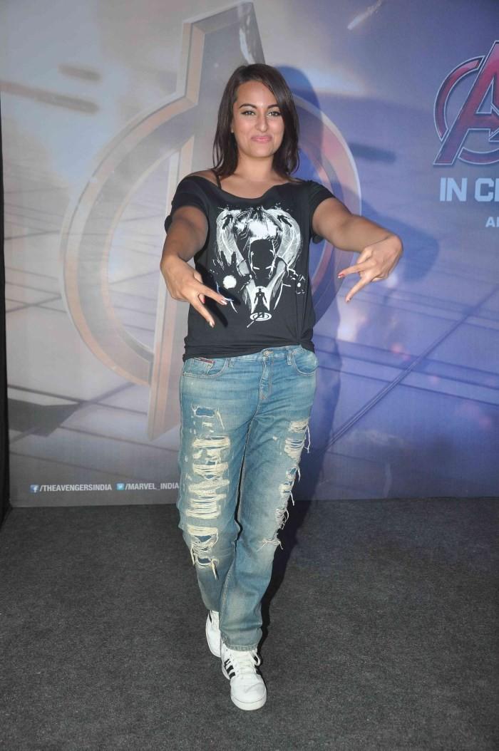 Sonakshi Sinha at Avenger Age Of Ultron Special Screening,Sonakshi Sinha,actress Sonakshi Sinha,Sonakshi Sinha pics,Sonakshi Sinha images,Sonakshi Sinha photos,Sonakshi Sinha latest pics,hot Sonakshi Sinha,Avenger Age Of Ultron Special Screening,Avenger A