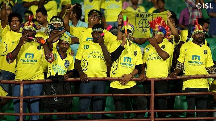 Kerala Blasters fans ISL 2015
