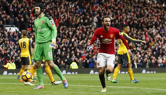 Petr Cech Arsenal Juan Mata Manchester United