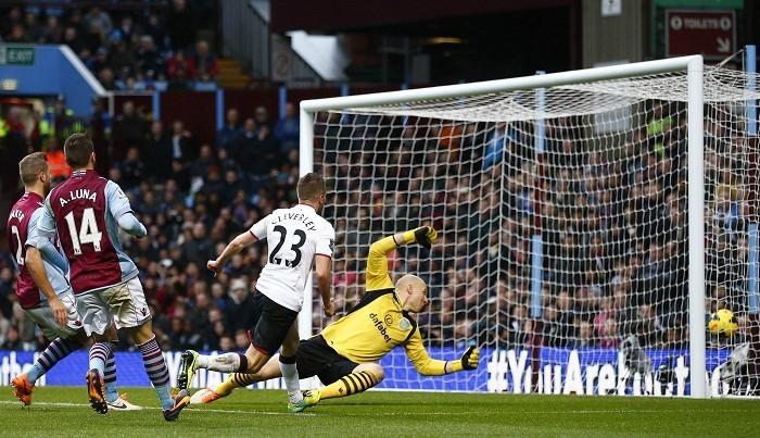 Cleverley Manchester United Aston Villa Guzan