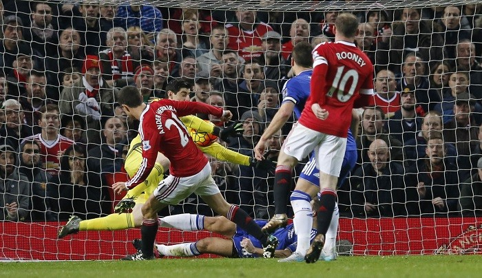 Ander Herrera Manchester United Thibaut Courtois Chelsea