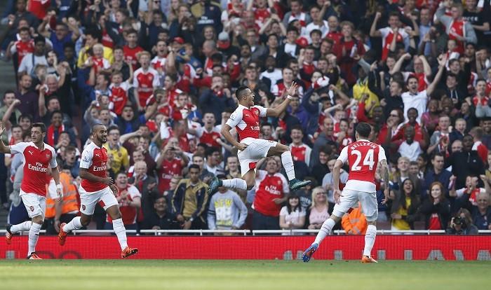Alexis Sanchez Arsenal Manchester United Ozil Walcott Bellerin