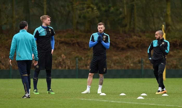 Mertesacker Ramsey Walcott Arsenal