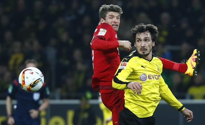 Thomas Muller Bayern Munich Mats Hummels Borussia Dortmund