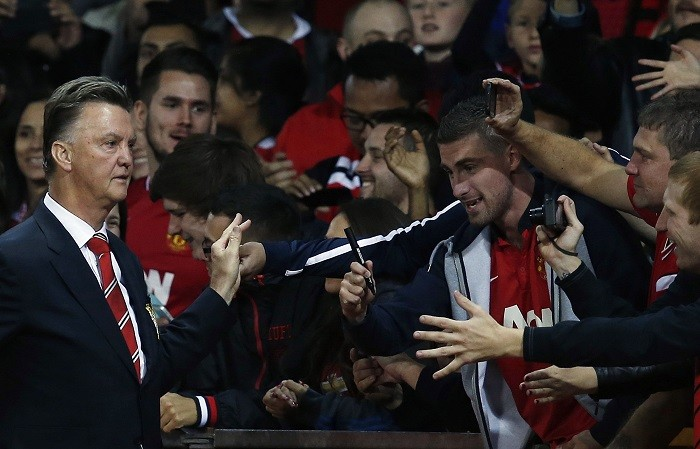 Louis Van Gaal Manchester United fans