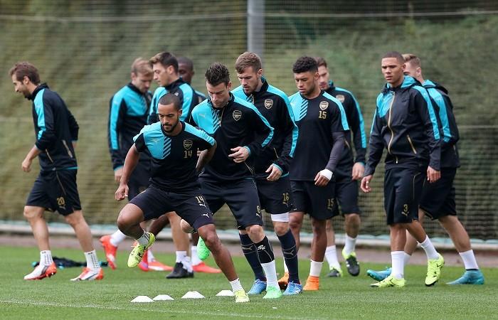 Arsenal Walcott Koscielny Ramsey Chamberlain Gibbs